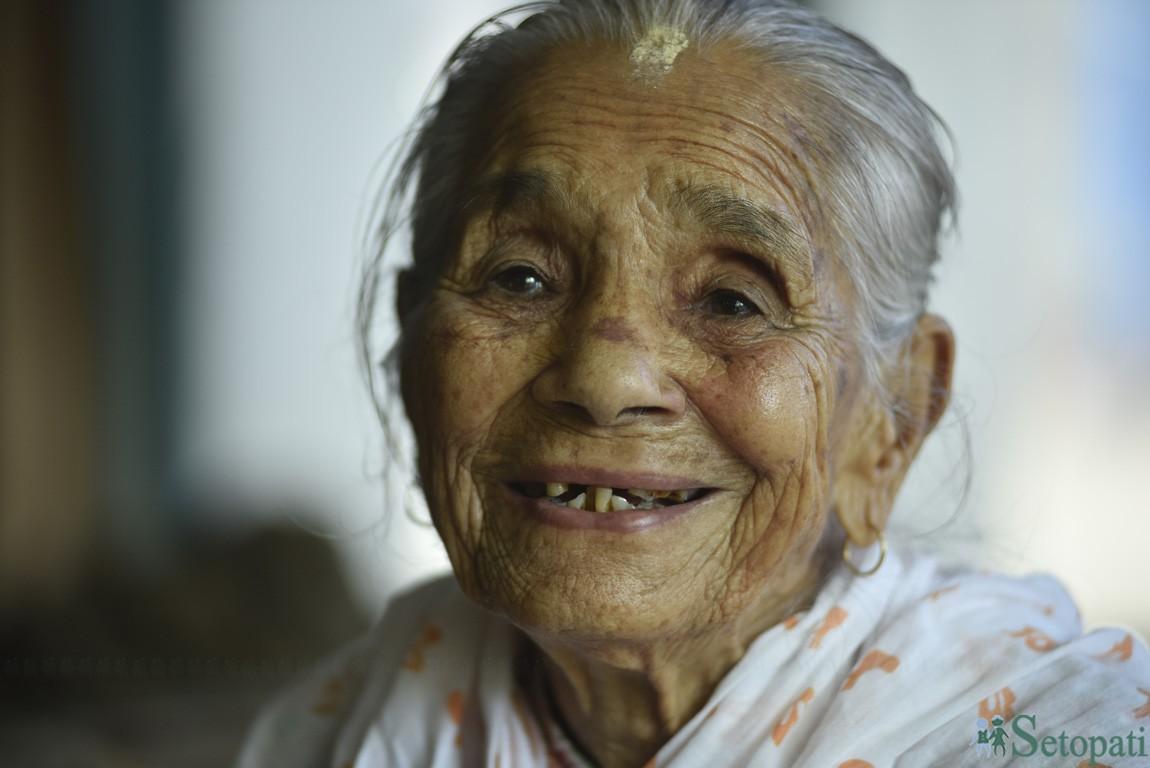 'आइतबार, बिहिबार महिलाले कपाल पनि कोर्न पाउन्न थिए'