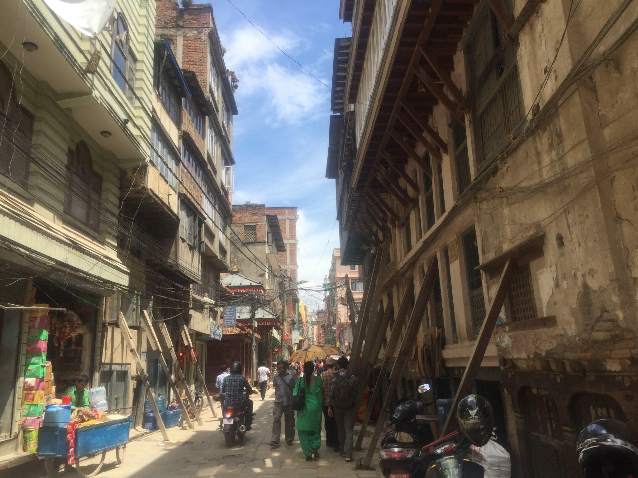 काठमाडौंको पुराना बस्ती मासेर अपार्टमेन्ट!