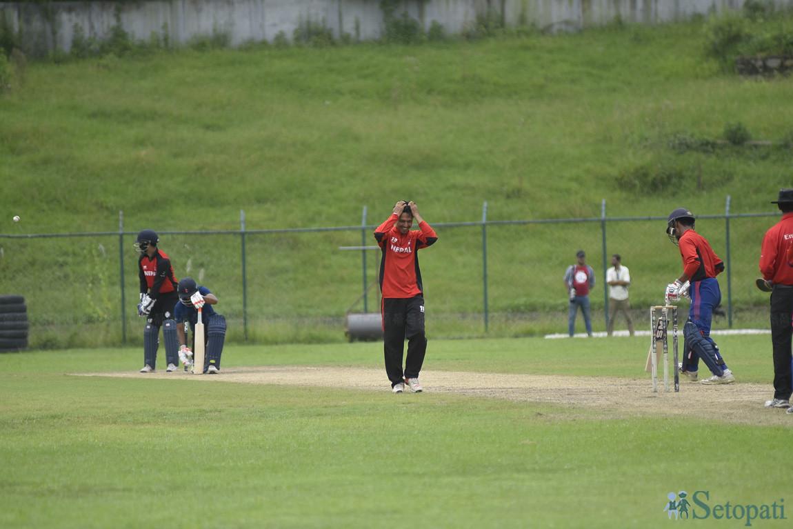 एसिया कप छनोटको तयारी स्वरूप आइतबार कीर्तिपुरस्थित त्रिवि क्रिकेट मैदानमा अभ्यासरत नेपाली राष्ट्रिय क्रिकेट खेलाडीहरू। तस्बिरः नारायण महर्जन