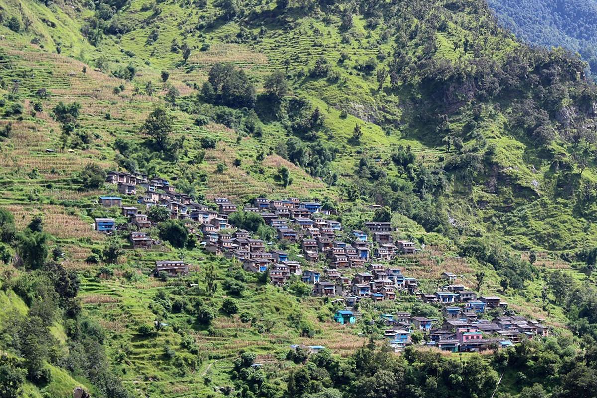 म्याग्दीको रघुगंगा गाउँपालिका ७ स्थित चिमखोला गाउँ । तस्बिर: रासस