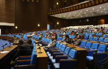 अकारण संसद स्थगित : सत्तापक्ष बेखबर, प्रतिपक्ष आक्रोशित